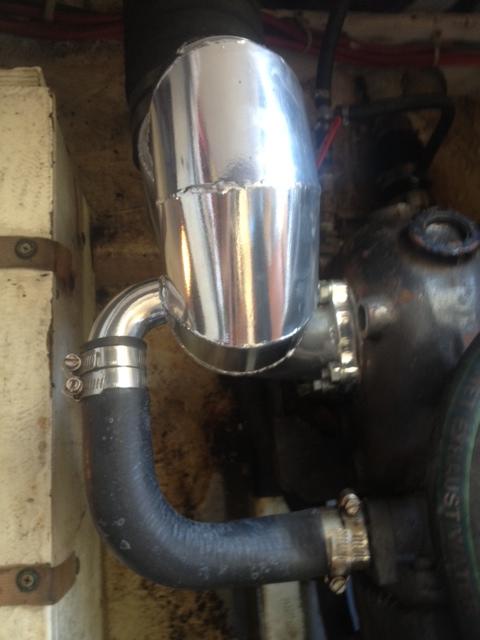 Hino-EH700-220HP-wet-exhaust-riser